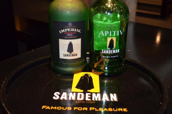 DSC_0810 sandeman port bottles