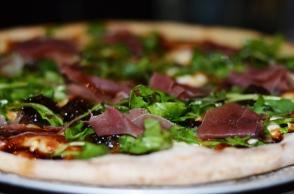 Gastro Bar Fig Pizza Prosciutto