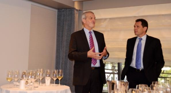Régis Camus conducts the Vin Clairs tasting