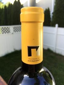 Hacienda de Arinzano bottle top