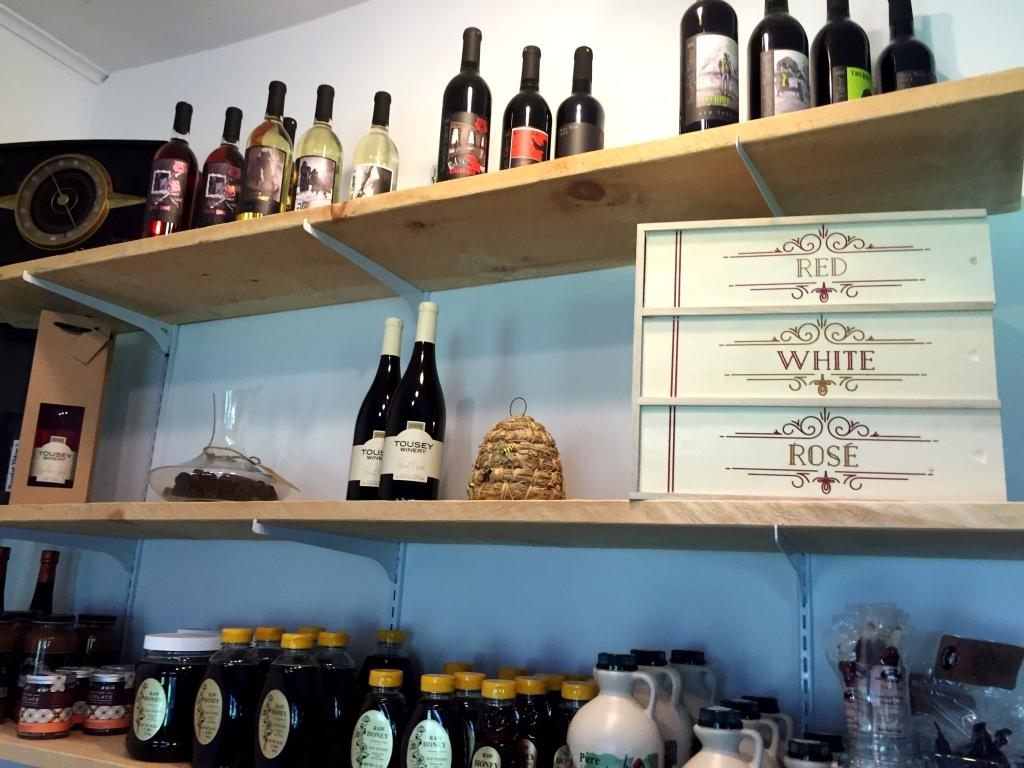 Tousey Winery Bar   Talk-A-Vino