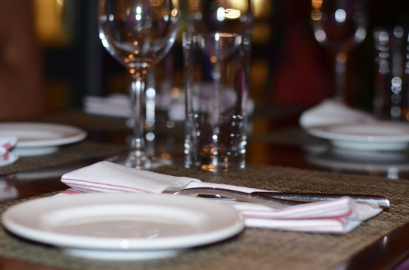 Bar Zepoli Table Setting